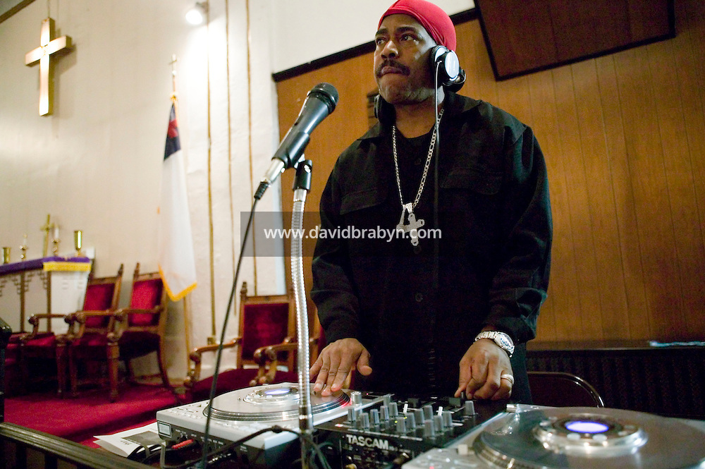 New York, USA - Hip-hop pioneer Kurtis Blow MCs during mass at the Greater Hood Memorial AME Zion Church, home of the Hip-Hop Church, in Harlem, New York, USA, 3 February 2005. Photo Credit: David Brabyn.