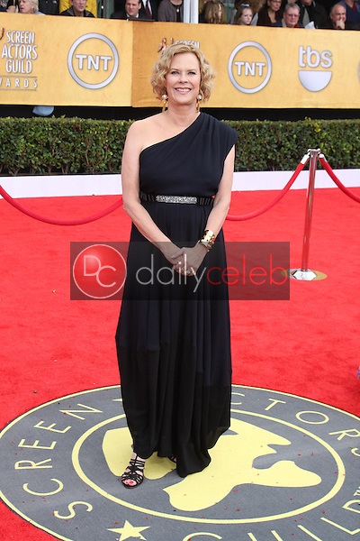 LOS ANGELES - JAN 30:  JoBeth Williams arrives at the 2011 Screen Actors Guild Awards  at Shrine Auditorium on January 30, 2011 in Los Angeles, CA