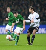 USSBALL   1. BUNDESLIGA    SAISON 2012/2013    10. Spieltag   Werder Bremen - FSV Mainz 05                             04.11.2012 Zlatko Junuzovic (li, SV Werder Bremen) gegen Andreas Ivanschitz (1. FSV Mainz 05)
