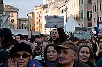 Roma 7  Marzo 2010.Il  'Popolo Viola'  a piazza Navona per protestare  contro il decreto salva-liste per le elezioni regionali  approvato dal Governo Berlusconi. .Roma March 7, 2010.The 'Purple People' against the decree-saving lists for regional elections approved by the Berlusconi government..