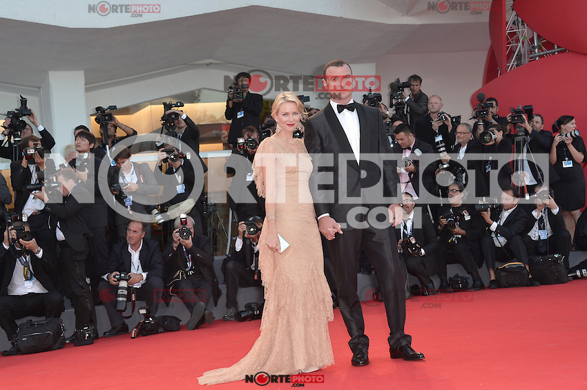 VENICE, ITALY - AUGUST 29: Actress Naomi Watts (R) and actor Liev Schreiber attends The Reluctant Fundamentalist premiere and opening ceremony during the 69th Venice Film Festival at the Palazzo del Cinema on August 29, 2012 in Venice, Italy /NortePhoto.com<br />