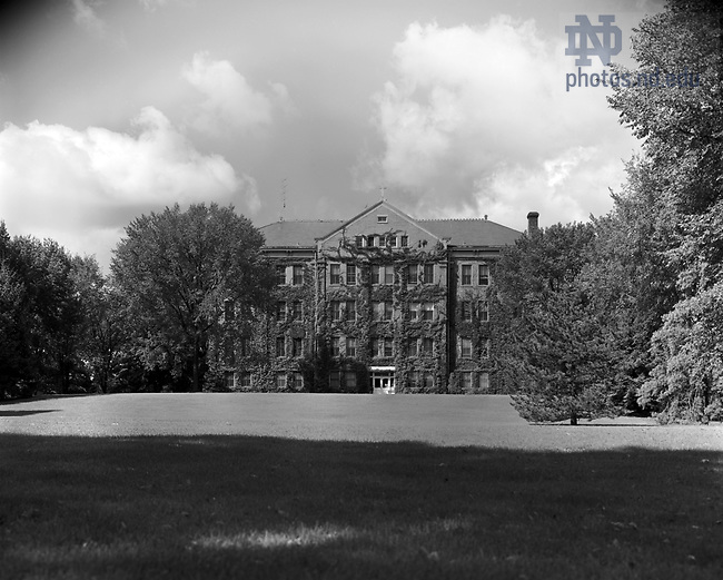 GPHR 45/0018:  Carroll Hall exterior, c1950s..Image from the University of Notre Dame Archives.