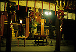 Kushida Shinto Shrine, Hakata, Kyushu, Japan. This grand tutelary shrine of Hakata is widely known and people warmly refer to it as ?Okushida-san.? It is dedicated to the gods of Ohatanushi-no-mikoto, Amaterasu-omikami and Susanowo-no-mikoto. According to tradition, in 757, when Emperor Koken was in the reign and Tairano Kiyomori designated Hakata port as a base of Japan-China trade, the shrine was built on the emperor's order to share a god with Kushida shrine of Ise province (the present Mie prefecture). Hakata Gion Yamakasa festival, widely known as a summer feature of Hakata, is dedicated to this shrine. In the shrine yard grows a great symbolic gingko tree with two monumental tablets of the Mongolian invasion on its foot./ Kushida Shrine, Hakata, Kyushu, Japon ( temple shinto )