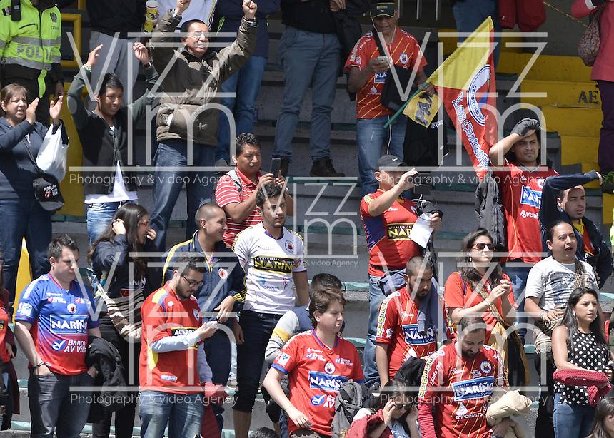 BOGOTÁ -COLOMBIA, 17-04-2016. Hinchas de Pasto animan a su equipo durante partido entre Independiente Santa Fe y Deportivo Pasto por la fecha 13 de la Liga Aguila I 2016 jugado en el estadio Nemesio Camacho El Campin de la ciudad de Bogota.  / Fans of Pasto cheer for their team during match batween Independiente Santa Fe and Deportivo Pasto for date 13 of the Liga Aguila I 2016 played at the Nemesio Camacho El Campin Stadium in Bogota city. Photo: VizzorImage/ Gabriel Aponte / Staff