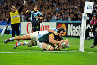 Eben Etzebeth of South Africa reaches for the try-line. Rugby World Cup Bronze Final between South Africa and Argentina on October 30, 2015 at The Stadium, Queen Elizabeth Olympic Park in London, England. Photo by: Patrick Khachfe / Onside Images