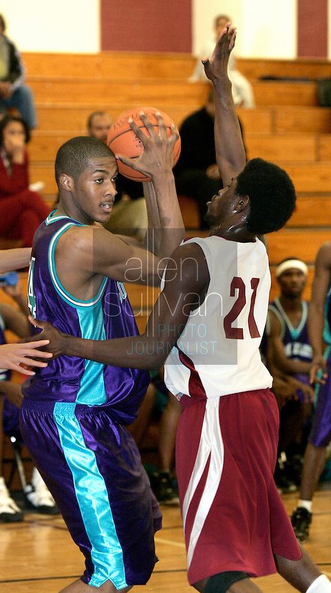 South Atlanta's Derrick Favors (34) during a game against Towers in Decatur, Ga. on Tuesday, Jan. 30, 2007.