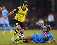 FUSSBALL   CHAMPIONS LEAGUE   SAISON 2013/2014   Vorrunde SSC Neapel - Borussia Dortmund      18.09.2013 Henrikh Mkhitaryan (li, Borussia Dortmund) gegen Valon Behrami (SSC Neapel)