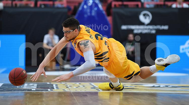 Basketball  1. Bundesliga  2016/2017  Hauptrunde  12. Spieltag  04.12.2016 Walter Tigers Tuebingen - ratiopharm Ulm Enttaeuchung Tigers; Isaiah Philmore am Boden