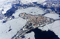 Ratzeburg im Winter: EUROPA, DEUTSCHLAND, SCHLESWIG- HOLSTEIN 15.03.2013: Luftbild der Stadt Ratzeburg im Winter. Eisschollen sind aud dem Ratzeburger See..
