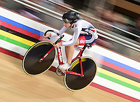 Picture by Alex Broadway/SWpix.com - 06/03/2016 - Cycling - 2016 UCI Track Cycling World Championships, Day 5 - Lee Valley VeloPark, London, England - Laura Trott of Great Britain competes in the Women's Omnium Flying Lap.
