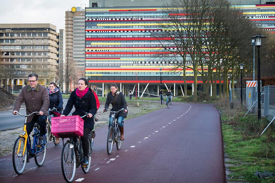Nederland, Utrecht, 10 jan 2014<br /> Universiteitscentrum de Uithof. Science Park<br /> Met kleurige gebouw van de Hogeschool Utrecht.<br /> Foto: Michiel Wijnbergh