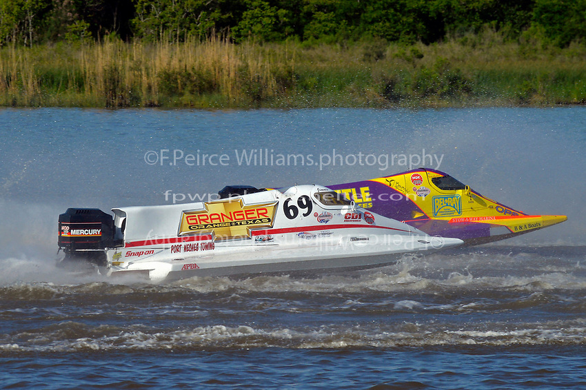 Jimmie Merleau (#69) and Tracy Hawkins (#2)           (Formula 1/F1/Champ class)