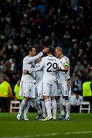the entire team celebrates a goal by Callejon