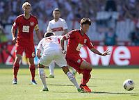 Fussball  1. Bundesliga  Saison 2013/2014  2. Spieltag VfB Stuttgart - Bayer Leverkusen     17.08.2013 Heung-Min Son (re, Bayer 04 Leverkusen) gegen Moritz Leitner (VfB Stuttgart)