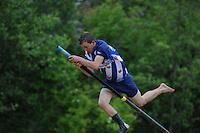 FIERLJEPPEN: WINSUM: 08-06-2013, Jongens A 1e klasse, Bobby Zwaagman (#149), ©foto Martin de Jong