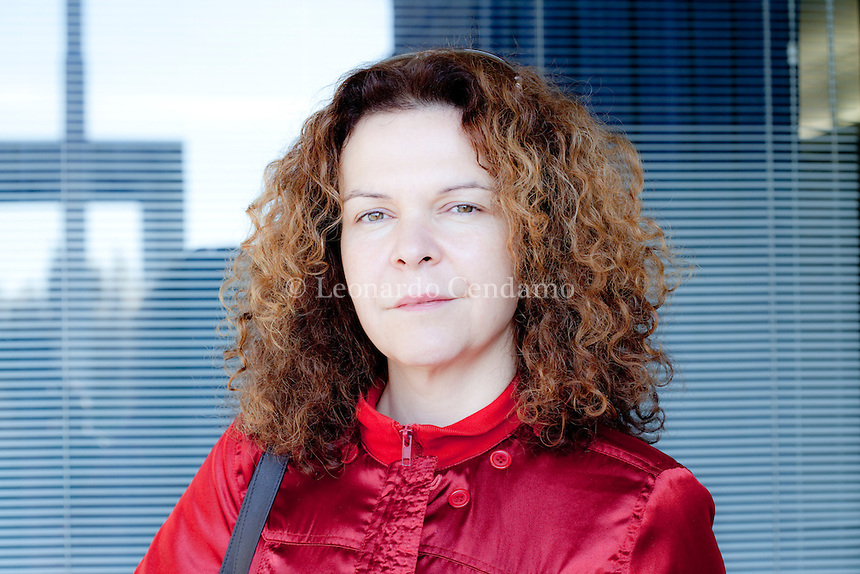 Esmahan Aykol was born in 1970 in Edirne, Turkey. She lives in Istanbul and Berlin. During her law studies she was a journalist for a number of Turkish publications and radio stations. Milan, ottobre 2012. © Leonardo Cendamo