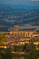 Europe/France/Midi-Pyrénées/81/Tarn/Lautrec:  Le village et la collégiale Saint-Rémy