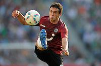 FUSSBALL   1. BUNDESLIGA   SAISON 2011/2012    8. SPIELTAG Hannover 96 - SV Werder Bremen                             02.10.2011 Manuel SCHMIEDEBACH (Hannover 96) Einzelaktion am Ball