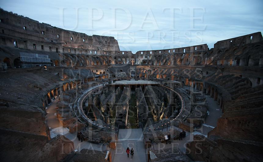 Una veduta interna del Colosseo, prima della Via Crucis celebrata dal Papa, a Roma, 18 aprile 2014.<br /> An interior view of the ancient Colosseum, prior to the start of the Via Crucis (Way of the Cross) torchlight procession attended by the Pope, in Rome, 18 April 2014.<br /> UPDATE IMAGES PRESS/Isabella Bonotto<br /> <br /> STRICTLY ONLY FOR EDITORIAL USE