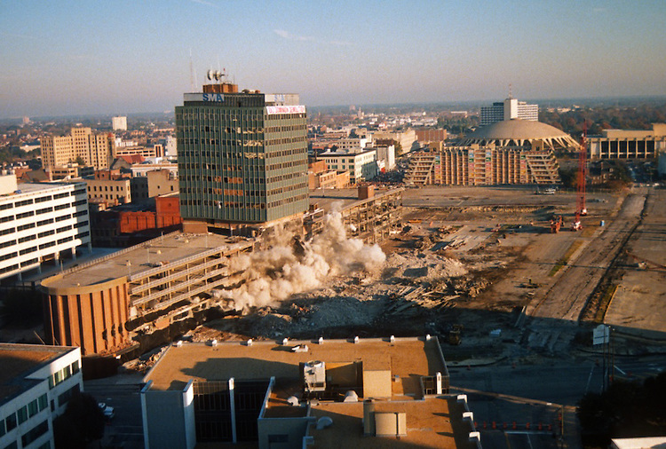1996 November 24..Redevelopment..Macarthur Center.Downtown North (R-8)..SEQUENCE 5.IMPLOSION OF SMA TOWERS.LOOKING NORTH FROM ROOFTOP .OF MAIN TOWER EAST.PV3..NEG#.NRHA#..