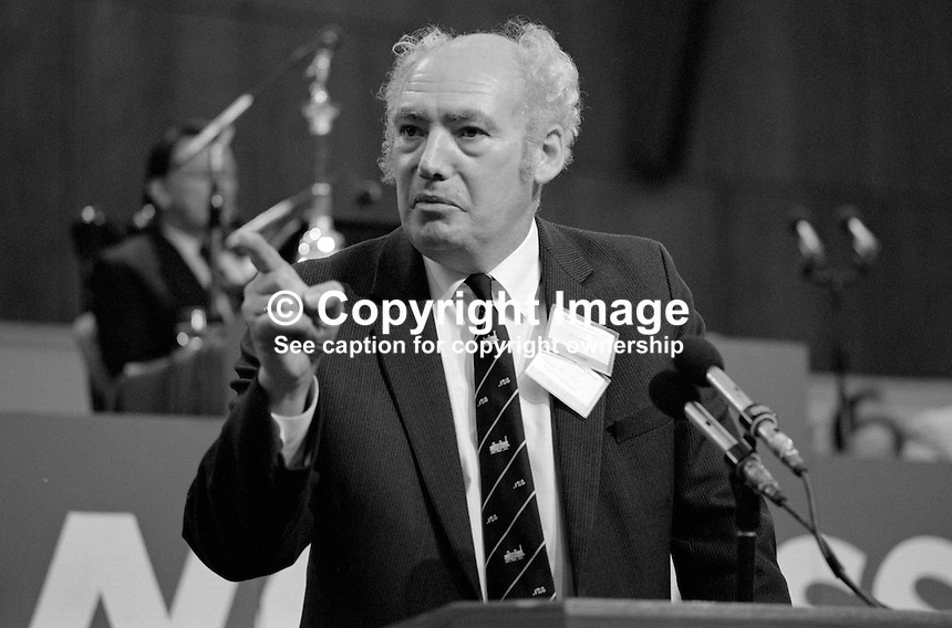 Jimmy Knapp, general secretary, National Union of Railwaymen, NUR, trade union, UK, addresses Trades Union Congress annual conference 1984. 19840103JK1.<br />