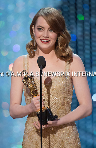 26.02.2017; Hollywood, USA: EMMA ROBERTS RECEIVES HER OSCAR FROM LEONARDO DI CAPRIO <br /> Stone won the Academy Award for the Actress in a Lead Role at the 89th Annual Academy Awards at the Dolby&reg; Theatre in Hollywood.<br /> Mandatory Photo Credit: &copy;AMPAS/NEWSPIX INTERNATIONAL<br /> <br /> IMMEDIATE CONFIRMATION OF USAGE REQUIRED:<br /> Newspix International, 31 Chinnery Hill, Bishop's Stortford, ENGLAND CM23 3PS<br /> Tel:+441279 324672  ; Fax: +441279656877<br /> Mobile:  07775681153<br /> e-mail: info@newspixinternational.co.uk<br /> Usage Implies Acceptance of Our Terms &amp; Conditions<br /> Please refer to usage terms. All Fees Payable To Newspix International