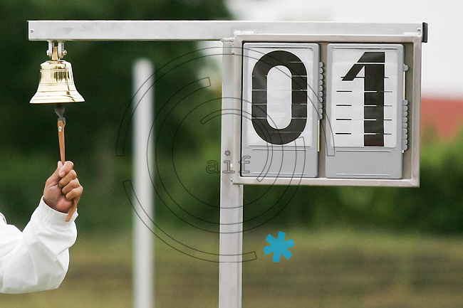 Die letzte Runde wird eingeläutet. Foto: Jan Kaefer / aif