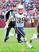 New England Patriots running back Danny Woodhead (39) runs in the fourth quarter against the Washington Redskins at FedEx Field in Landover, Maryland on Sunday December 11, 2011.  The Patriots won the game 34 - 27..Credit: Ron Sachs / CNP.(RESTRICTION: NO New York or New Jersey Newspapers or newspapers within a 75 mile radius of New York City)