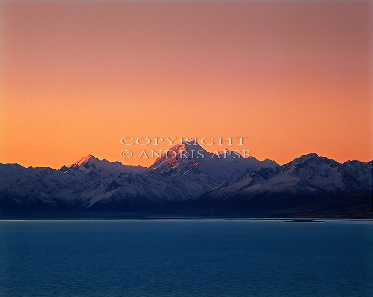 Mount Cook and the Southern Alps at sunset. Lake Pukaki Mackenzie Country. Canterbury. New Zealand.