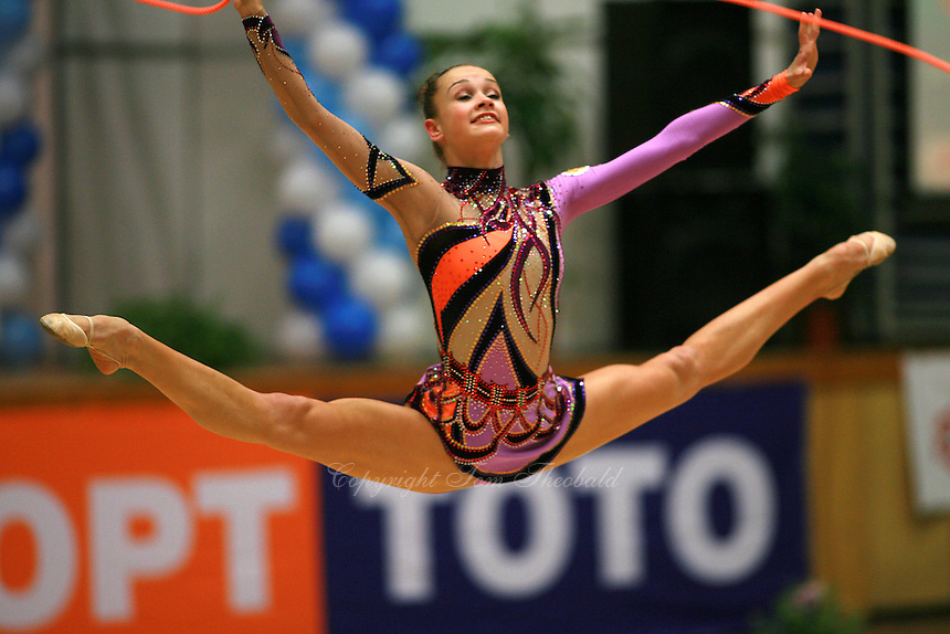 Marina Shpekt of Russia straddle jumps with rope at Burgas Grand Prix Rhythmic Gymnastics on May 6, 2006.  (Photo by Tom Theobald)