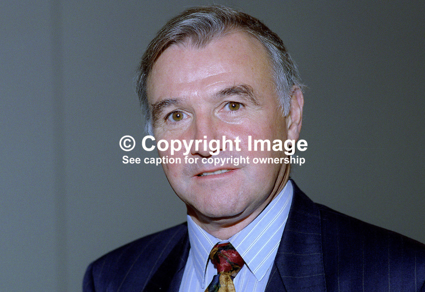 Malcolm Bruce, MP, Liberal Democrat, UK, 19920901MB..Copyright Image from Victor Patterson, 54 Dorchester Park, Belfast, United Kingdom, UK...For my Terms and Conditions of Use go to http://www.victorpatterson.com/Victor_Patterson/Terms_%26_Conditions.html