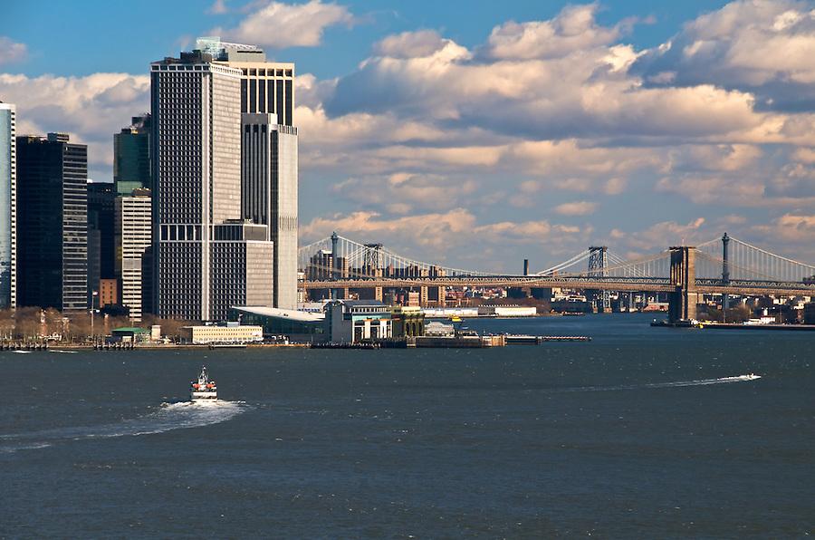 View of Manhattan Szkyline with Brooklyn and Manhattan Bridge, November 2008