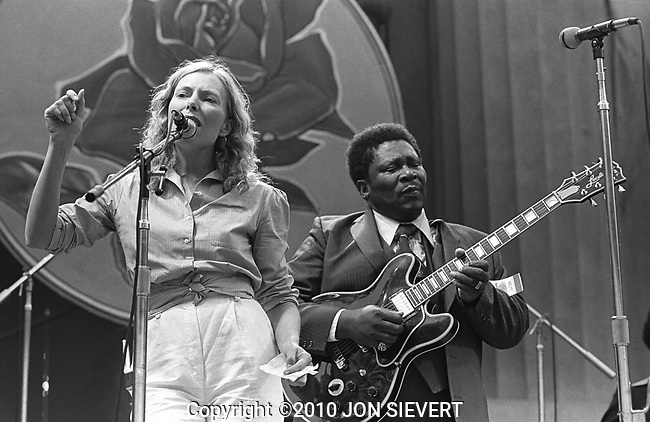 Joni Mitchell, B.B. King, Bread & Roses Festival, Oct. 4, 1980. Canadian musician, songwriter, and painter who many consider the most-influential female songwriter and recording artist of the late 20th century. She started as a folk singer but moved hard to jazz in the 1970s, working with such noted jazz musicians as Pat Metheny, Wayne Shorter, Jaco Pastorius, Herbie Hancock, and Charles Mingus.