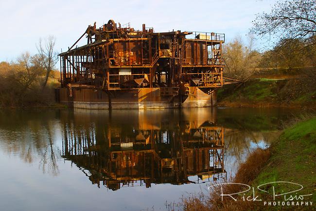 Historic Gold Dredges : Idled gold dredge near la grange california rick pisio