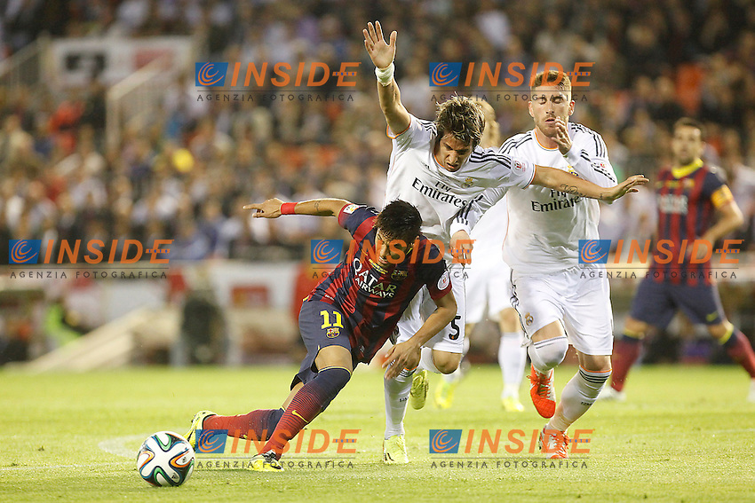 Real Madrid&Acirc;&acute;s Coentrao and Sergio Ramos and F.C. Barcelona&Acirc;&acute;s Neymar Jr during the Spanish Copa del Rey `King&Acirc;&acute;s Cup&Acirc;&acute; final soccer match between Real Madrid and F.C. Barcelona at Mestalla stadium, in Valencia, Spain. April 16, 2014. (ALTERPHOTOS/Victor Blanco) <br /> Finale Coppa del Re<br /> Real Madrid Barcellona <br /> Foto Insidefoto