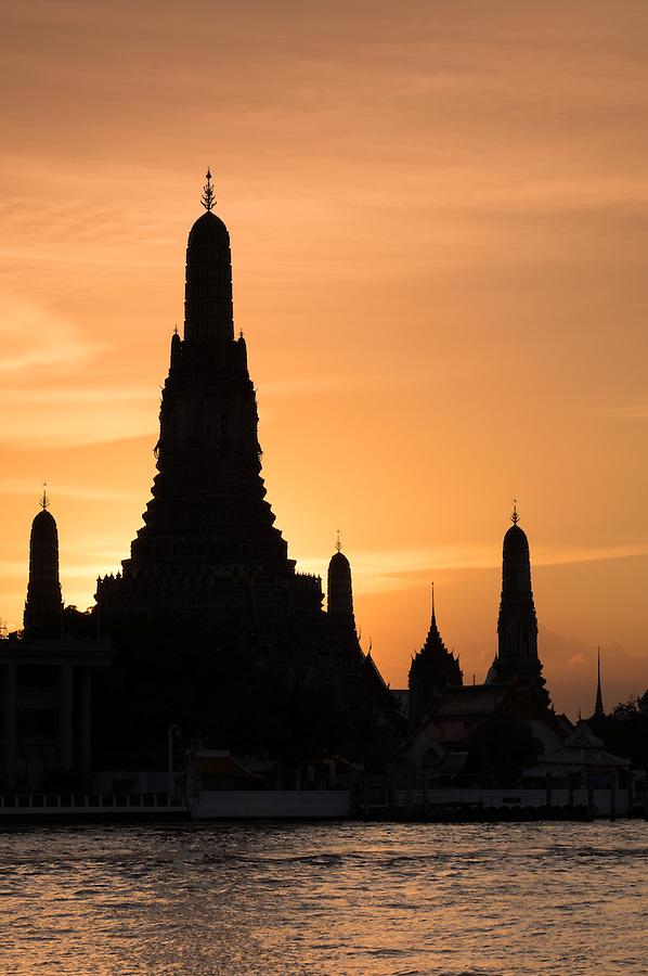 BANGKOK, THAILAND - CIRCA SEPTEMBER 2014: Wat Arun at sunset, this is a very  popular Buddhist temple in Bangkok Yai district of Bangkok, Thailand, on the Thonburi west bank of the Chao Phraya River