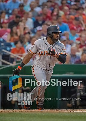 6 August 2016: San Francisco Giants center fielder Denard Span in action against the Washington Nationals at Nationals Park in Washington, DC. The Giants defeated the Nationals 7-1 to even their series at one game apiece. Mandatory Credit: Ed Wolfstein Photo *** RAW (NEF) Image File Available ***