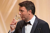 Italian Prime Minister Matteo Renzi offers a toast to US President Barack Obama during a state dinner on the South Lawn of the White House in Washington DC, USA, 18 October 2016. President Obama hosts his final state dinner, featuring celebrity chef Mario Batali and singer Gwen Stefani performing after dinner. <br /> Credit: Michael Reynolds / Pool via CNP