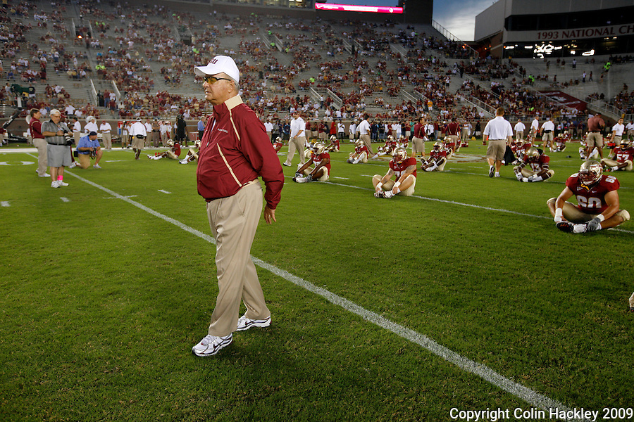TALLAHASSEE, FL 10/10/09-FSU-Ga. Tech FB09 CH09-Florida State Head Coach Bobby Bowden walks among his team prior to the Georgia Tech game Saturday at Doak Campbell Stadium in Tallahassee. .COLIN HACKLEY PHOTO