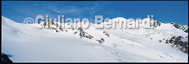 PJ448a Val di Pejo in inverno, immagini dei villaggi,delle montagne, delle baite, delle piste di sci e attivit&agrave; sportive,<br /> Pejo in winter, images of the villages, mountains, mountain huts, the ski slopes and sporting activities,<br /> Pejo im Winter, Bilder der D&ouml;rfer, Berge, Bergh&uuml;tten, den Skipisten und sportlichen Aktivit&auml;ten,<br /> Pejo en hiver, les images des villages, des montagnes, des cabanes de montagne, les pistes de ski et des activit&eacute;s sportives,<br /> Pejo en invierno, las im&aacute;genes de los pueblos, monta&ntilde;as, refugios de monta&ntilde;a, las pistas de esqu&iacute; y actividades deportivas,<br /> Pejo fi fasl alshshata'a, sur min alquraa waljibal wal'akwakh aljabaliat, wamunhadarat alttazalluj wal'anshitat alrriadia,<br /> Pejo的冬天,鄉村,山區,山木屋,滑雪場和體育活動的圖像,<br /> 冬のペヨ、村、山、山の小屋、スキー場やスポーツ活動のイメージ,<br /> Pejo in de winter, beelden van de dorpen, bergen, berghutten, de skipistes en sportieve activiteiten,<br /> Pejo w zimie, obrazy wsi, g&oacute;r, schronisk g&oacute;rskich, stok&oacute;w narciarskich i uprawiania sportu,<br /> Pejo no inverno, as imagens das aldeias, montanhas, abrigos de montanha, pistas de esqui e actividades desportivas,<br /> Pejo t&eacute;len, a k&eacute;pek a falvak, hegyek, hegyi, a s&iacute;p&aacute;ly&aacute;k &eacute;s sporttev&eacute;kenys&eacute;gek