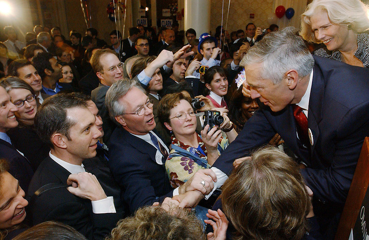 "10/29/03.""C COMPANY"" RECEPTION FOR WESLEY CLARK--Democratic presidential candidate Wesley K. Clark, a retired general from Arkansas, shakes greets the crowd during a ""low-dollar"" fundraising event, at the Omni Shoreham Hotel in Washington, D.C. The event, organized by young professional supporters, was attended by several hundred donors. .CONGRESSIONAL QUARTERLY PHOTO BY SCOTT J. FERRELL"