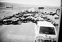 Turquie 1998.Sur la route de Mus, un troupeau de mouton.Turkey 1998.On the road to Mus, a flock of sheep crossing