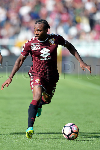 19.09.2016. Stadio Olimpico, Torino, Italy. Serie A Football. Torino versus Empoli. Joel Obi on the ball . The game ended in a 0-0 draw.