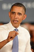 Obama da discurso a  personas mayores en Century Village