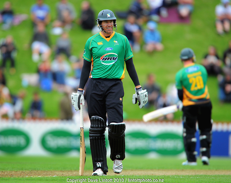 Stags batsman Jacob Oram. HRV Cup Twenty20 cricket - Wellington Firebirds v Central Stags at Allied Nationwide Finance Basin Reserve, Wellington. Monday, 27 December 2010. Photo: Dave Lintott / lintottphoto.co.nz