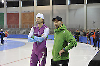 SPEED SKATING: SALT LAKE CITY: 18-11-2015, Utah Olympic Oval, ISU World Cup, training, Gerard van Velde (trainer/coach Team Beslist.nl), Dennis van der Gun (trainer/coach Team Afterpay), ©foto Martin de Jong