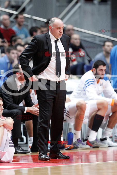 Basket Real Madrid´s coach Pablo Laso during Euroleague Basketball match in Palacio de los Deportes stadium in Madrid, Spain. January 15, 2014. (ALTERPHOTOS/Victor Blanco)