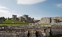 View of the inner precinct of the wall with the temple of the Descending God and the Castle, Tulum (Zamá, Zamal), arise and grew between 12th and 16th centuries AD, Postclassic period, Quintana Roo, Yucatan, Mexico. Picture by Manuel Cohen