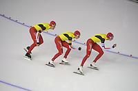 SCHAATSEN: CALGARY: Olympic Oval, 09-11-2013, Essent ISU World Cup, Team Pursuit, Ferre Spruyt, Maarten Swings, Bart Swings (BEL), ©foto Martin de Jong