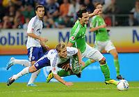 FUSSBALL   1. BUNDESLIGA   SAISON 2011/2012    5. SPIELTAG VfL Wolfsburg - FC Schalke 04                                  11.09.2011 Lewis HOLTBY (li, Schalke) gegen Srdjan LAKIC (re, Wolfsburg)